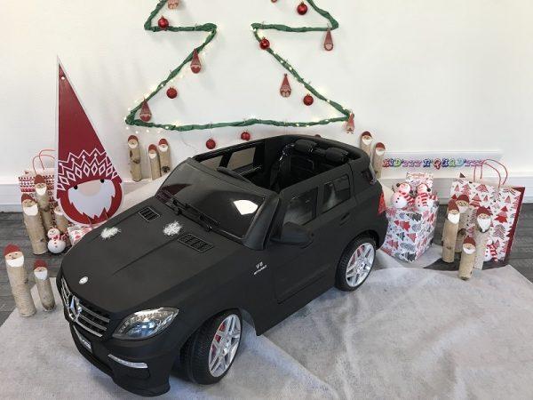 4-voiture-enfant-electrique-Mercedes-ML63-AMG-Noir-mat