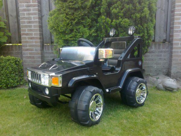 Hummer 12V noir monoplace pour enfant vue 3/4 avant