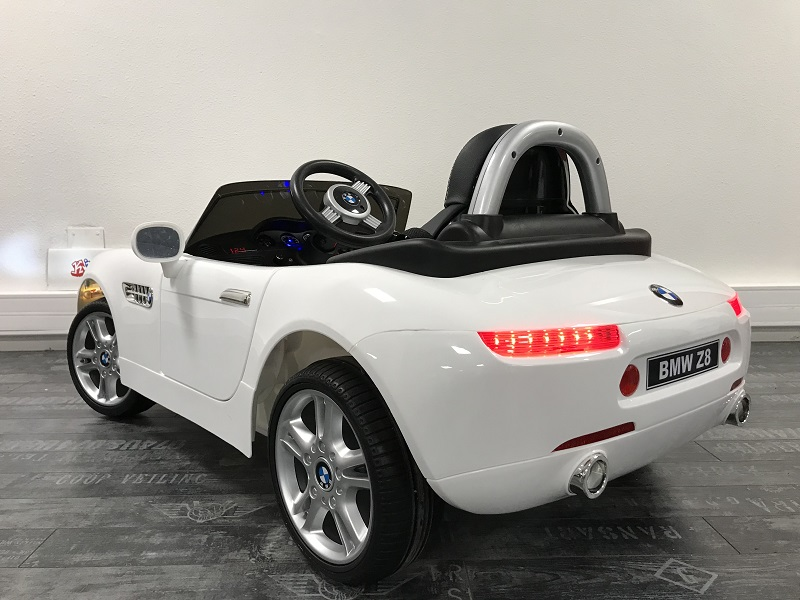 voiture lectrique b b 12v bmw z8 licence bmw. Black Bedroom Furniture Sets. Home Design Ideas