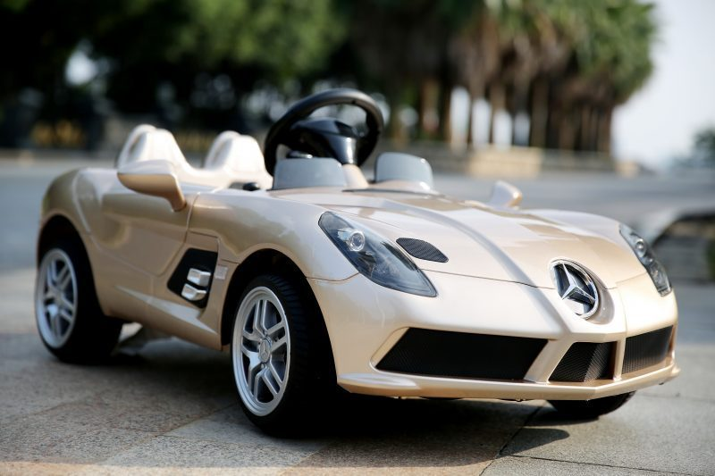voiture pour enfant mercedes benz slr supercar kid 39 zzz. Black Bedroom Furniture Sets. Home Design Ideas