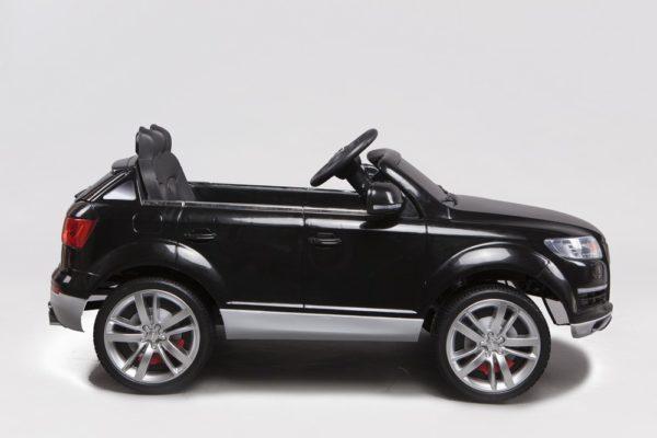 4X4 électrique Audi pour enfant Q7 noir 12V - Vue de côté