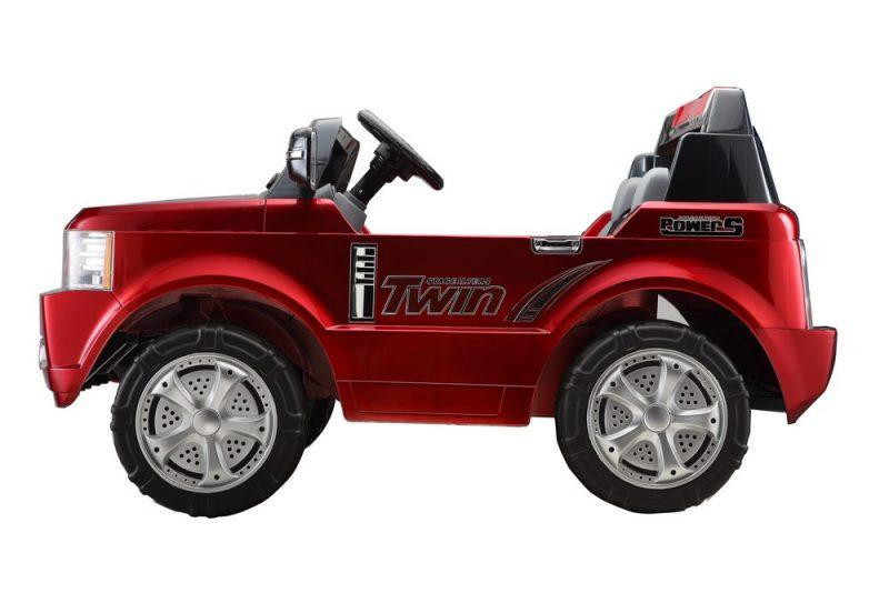 ee2b09927c3a0 Voiture électrique Range Rover pour enfant vue arrière. 4x4 électrique pour  enfant vu de profil